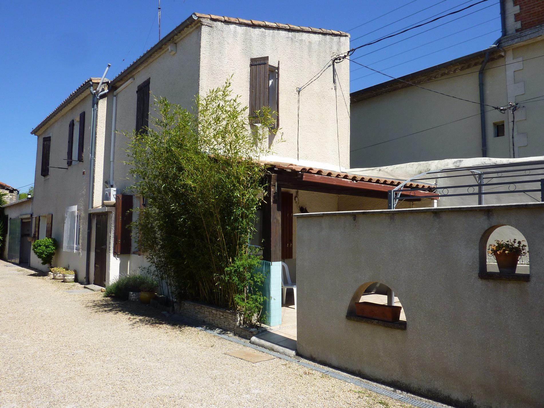 Agence de la costi re l 39 immobilier vauvert generac for Garage ad nimes