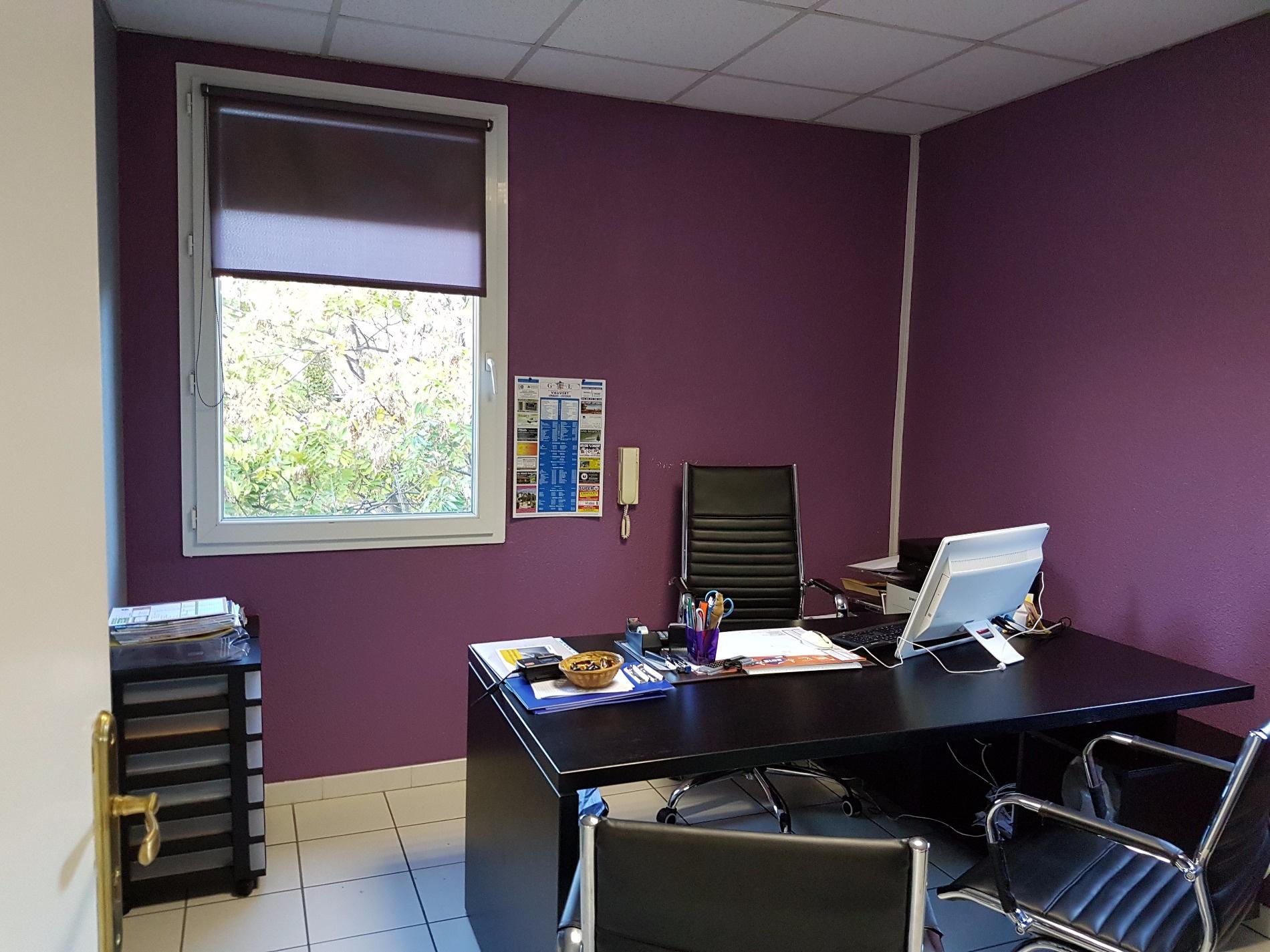 Location immobilier professionnel vauvert loue bureaux dans immeuble